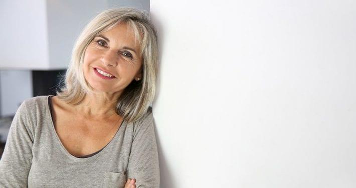 ¿Con cuántos años se jubila una mujer?