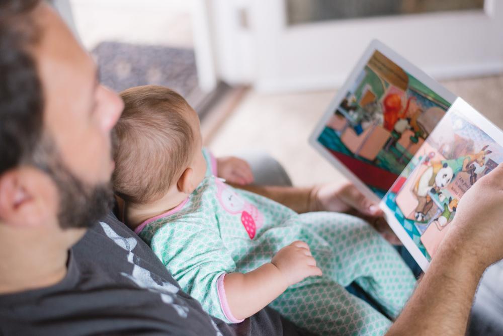 Dificultades para conciliar, ahorrar y llegar a fin de mes: razones de la baja natalidad