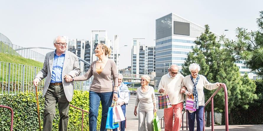 La Esperanza de Vida mayor de Europa y proporción de Ancianos