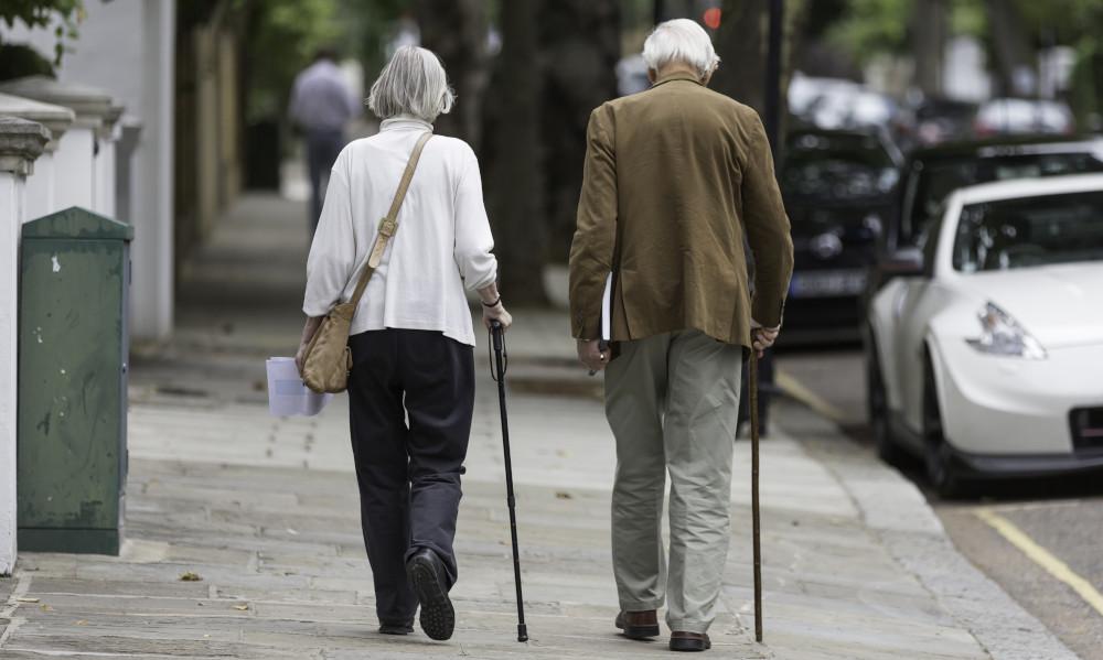 Los pensionistas reciben 1,74 euros durante su jubilación por cada euro aportado